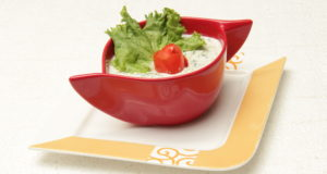 REFRESHING CUCUMBER YOGURT DIP