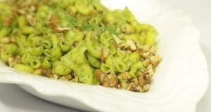 Chili pesto salad