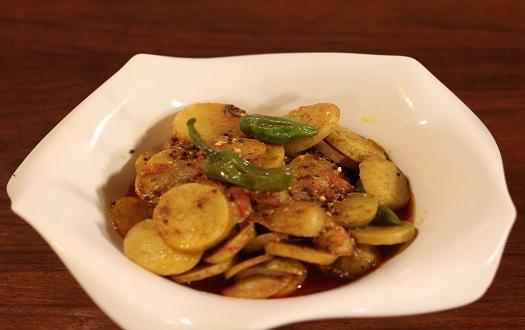 Aloo Ki Tarkari Recipes by Chef Rida Aftab in Tarka