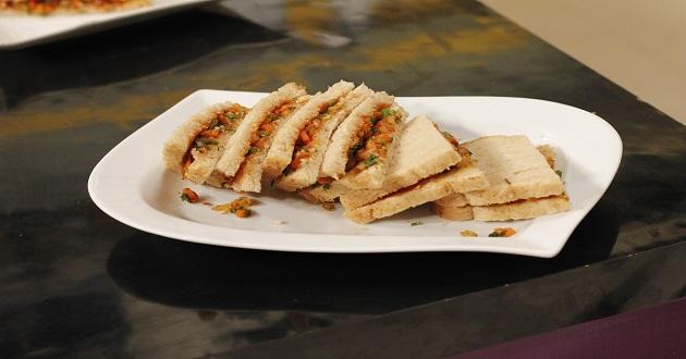 Masala vegetable Toast By Zarnak Sidhwa in Food Diaries