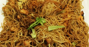 Garlic noodles by Tahir Chaudhary