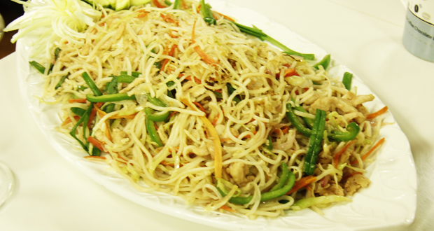 chicken chow mein recipe by shireen anwer masala