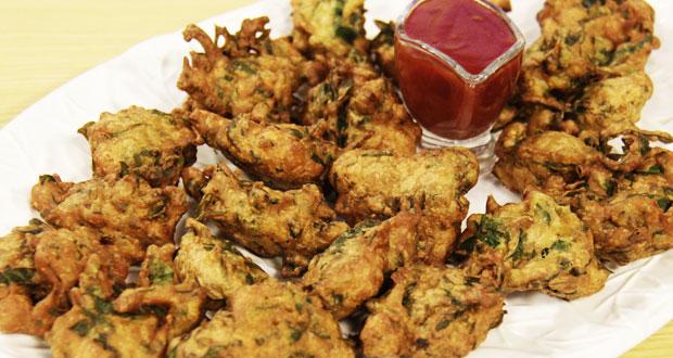 Chopped Palak Pakoras by Zarnak Sidhwa
