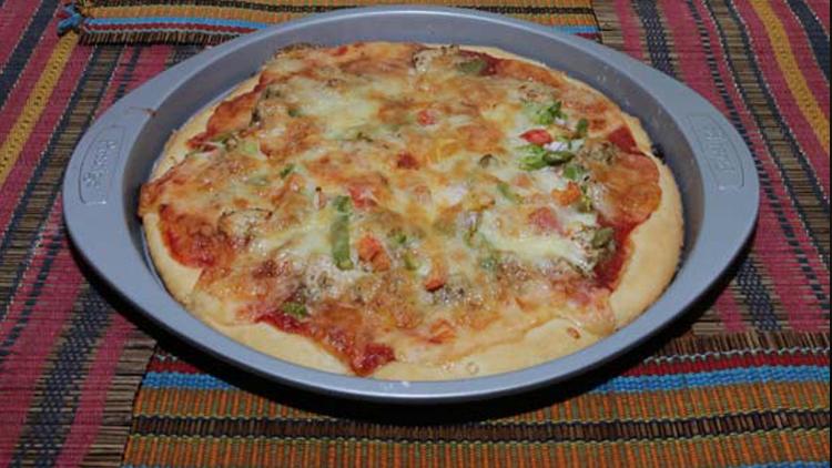 Chicken Makhni Pizza