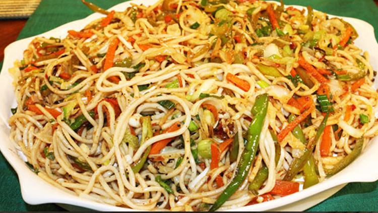 Spicy Vegetable Chowmien by Zubaida Tariq