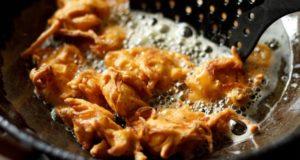 Tip for making Crispy Pakoras