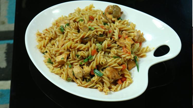 Oriental Chicken & Pasta