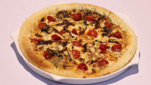 Roasted Beef Barbecue Pizza | Lively Weekends