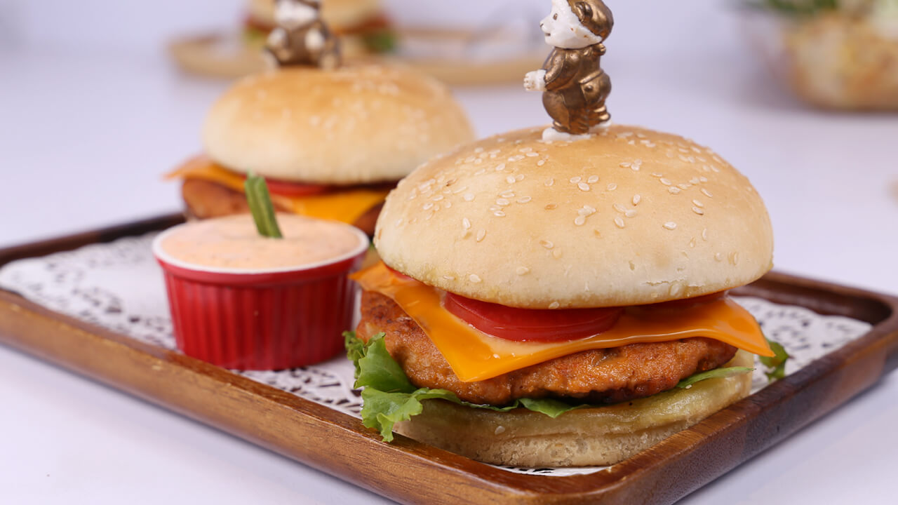 Cheesy Tandoori Burger | Quick Recipe
