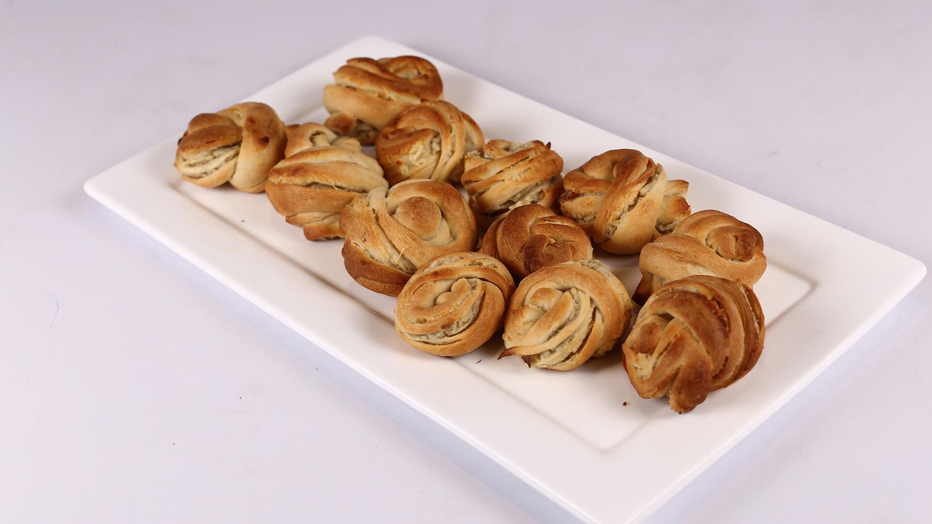 Sweet Potato Knot Rolls Recipe | Dawat