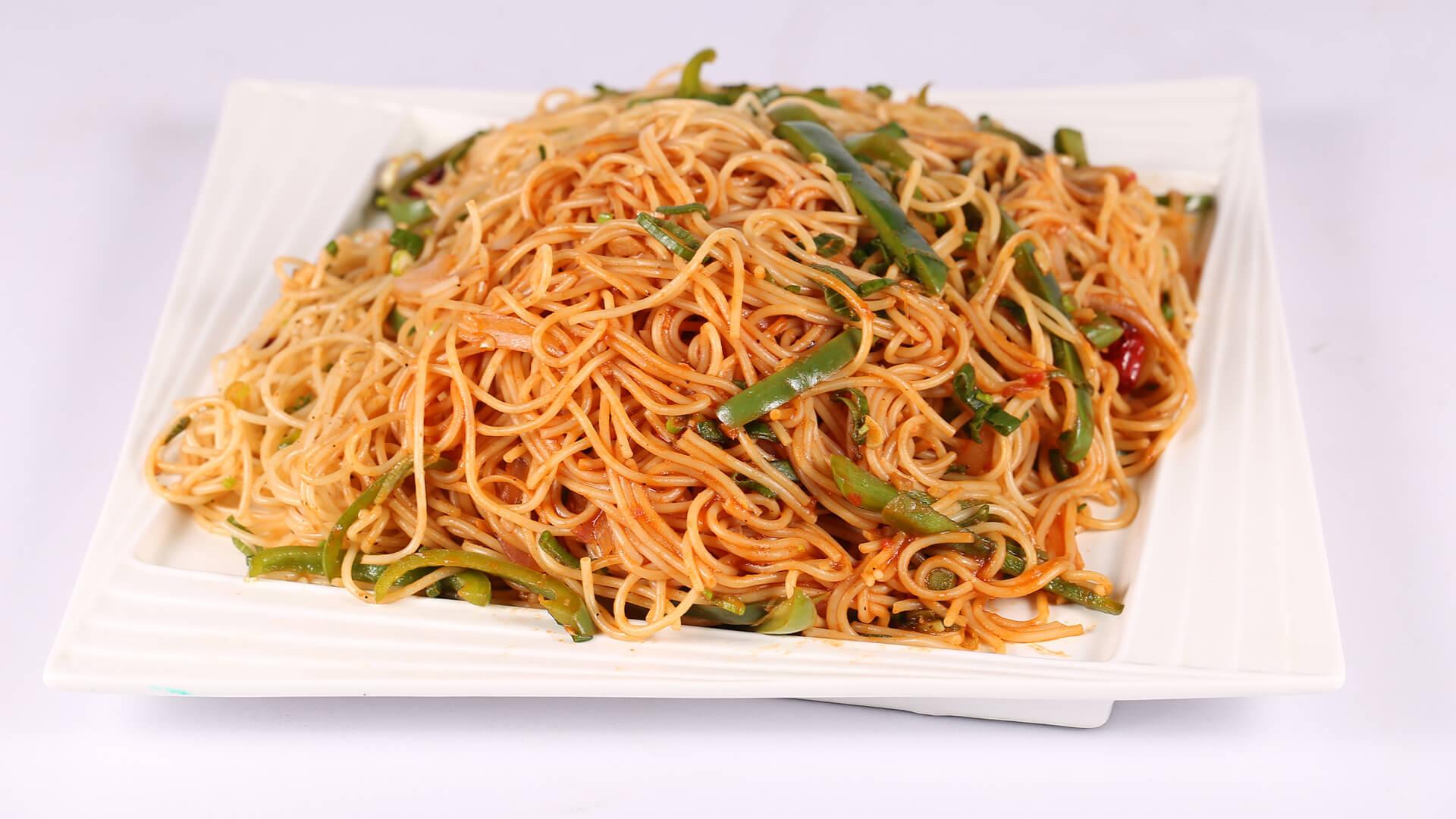 Spicy Noodles | Food Diaries | Zarnak Sidhwa
