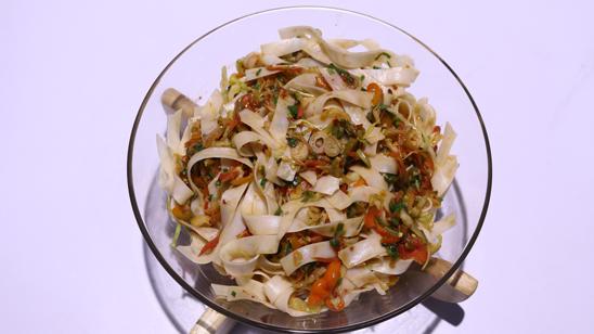 Singaporean Rice Noodles Recipe | Dawat