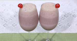 Black Forest Smoothie Recipe | Lazzat