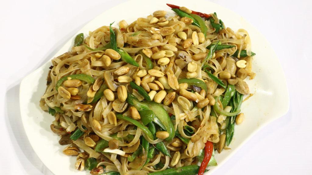 Thai Chicken Noodles Recipe | Masala Mornings