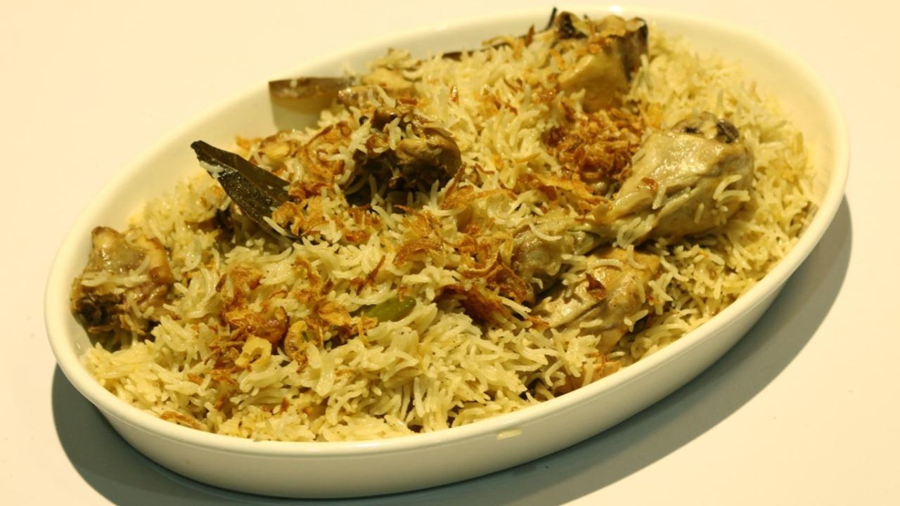 White Chicken Pulao Recipe   Dawat