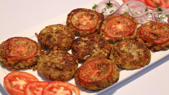 Aalu Kay Chapli Kabab Recipe | Lazzat
