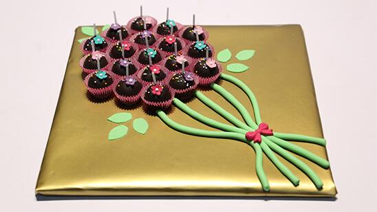 Mini Cake Pops Bouquet | Quick Recipes