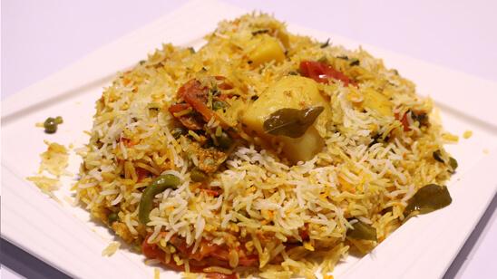 Aalu Matar ki Biryani Recipe | Flame On Hai