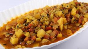 Methi aur Aloo Rasedar Recipe | Food Diaries