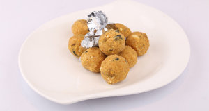 Moong Daal Laddu | Quick Recipes