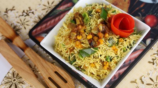 Shimla Mirch Corn Rice Recipe | Tarka