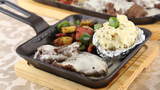 Sizzling Pepper Steaks with Cheese Sauce Recipe | Lazzat