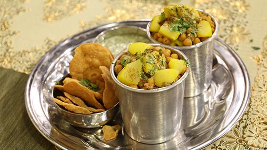 Khatti Meethi Chaat Recipe | Tarka