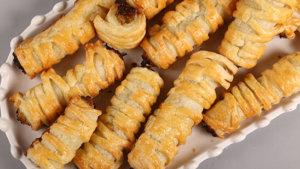 Chicken Puff Pastry Roll Recipe | Masala Mornings
