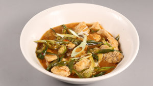 Thai Spicy Stir Fried Chicken Recipe | Masala Mornings