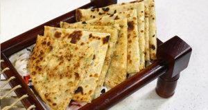 Chicken aur Aalu Paratha Recipe | Masala Mornings