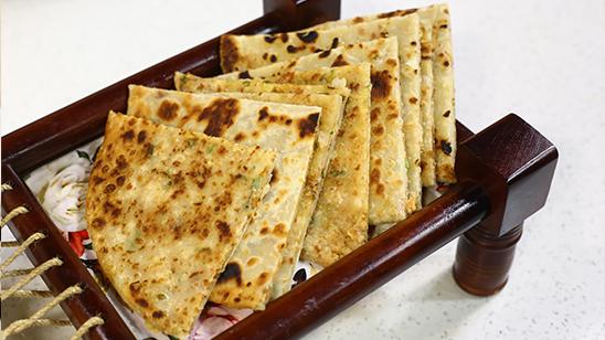 Chicken aur Aalu Paratha Recipe   Masala Mornings