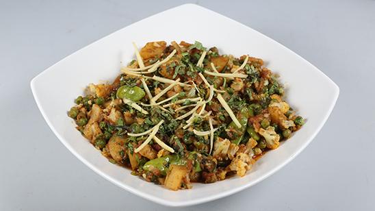 Adraki Aalu Gobhi Sabzi Recipe   Lazzat